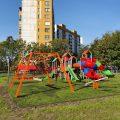 Huśtawka wieloosobowa Zula na placu zabaw w Sosnowcu. Producent Comes.
