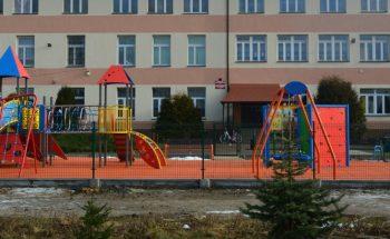 plac zabaw w Krasocinie