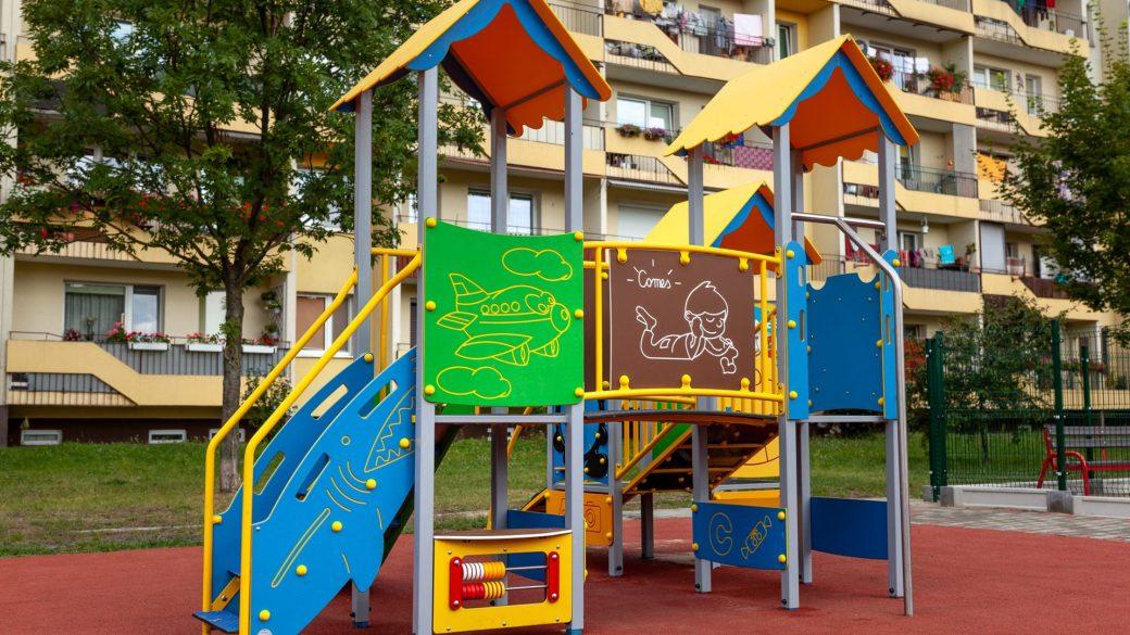 Plac zabaw Comes w Starachowicach