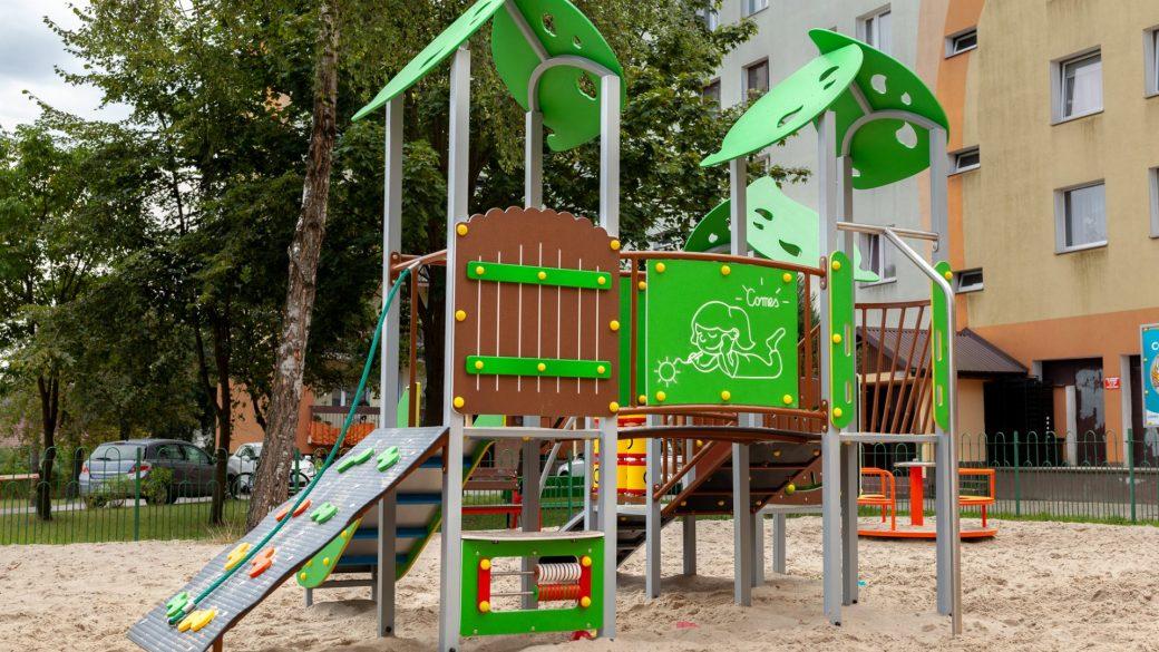 Zestaw rrekreacyjny Leśna Polana na plac zabaw. Producent Comes